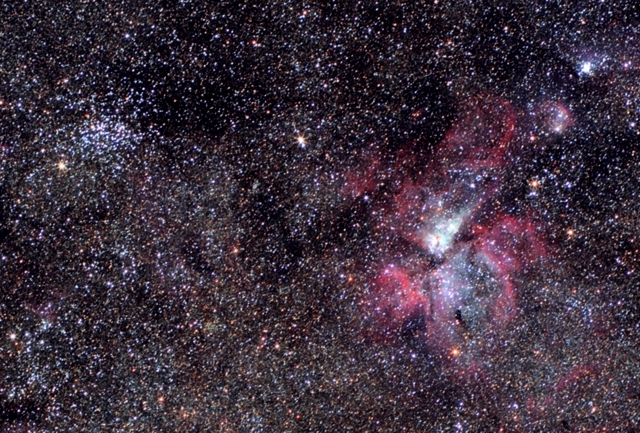 Eta Carinae-köd (NGC 3372) - NGC 3532 fotó. Canon EF 85mm f/1.8 teleobjektív, Canon EOS 450D fényképezőgép.