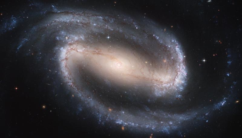 Az NGC 1300 a Hubble Space Telescope (HST, Hubble Űrtávcső) fotóján.