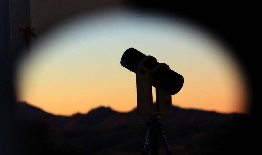 100/400 T a 40 cm-es távcső segédtükrében a naplemente fényeiben Hakoson.