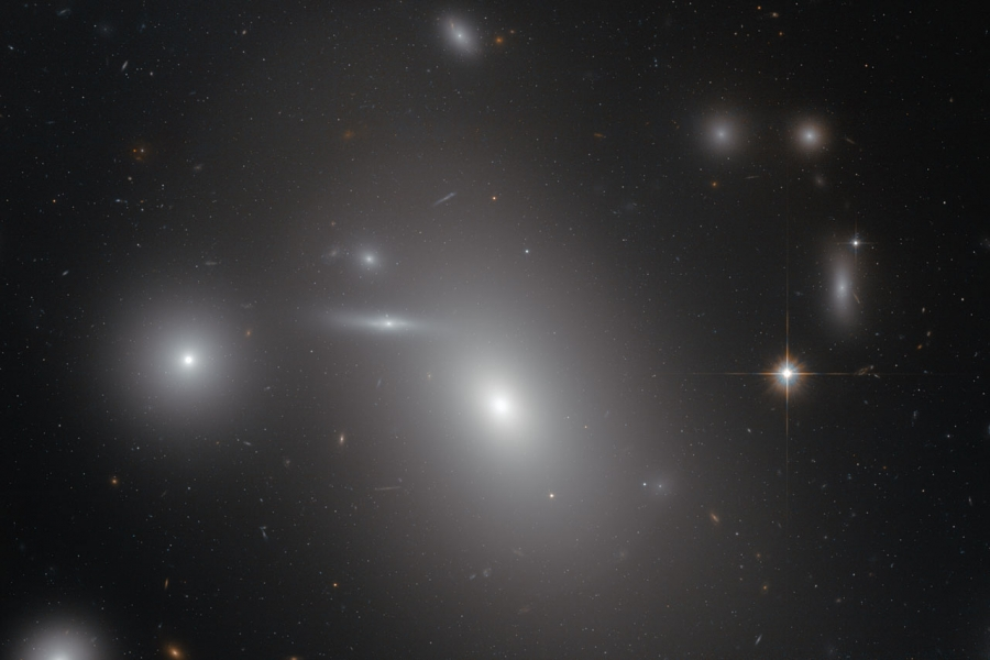 Hubble image of NGC 4889.