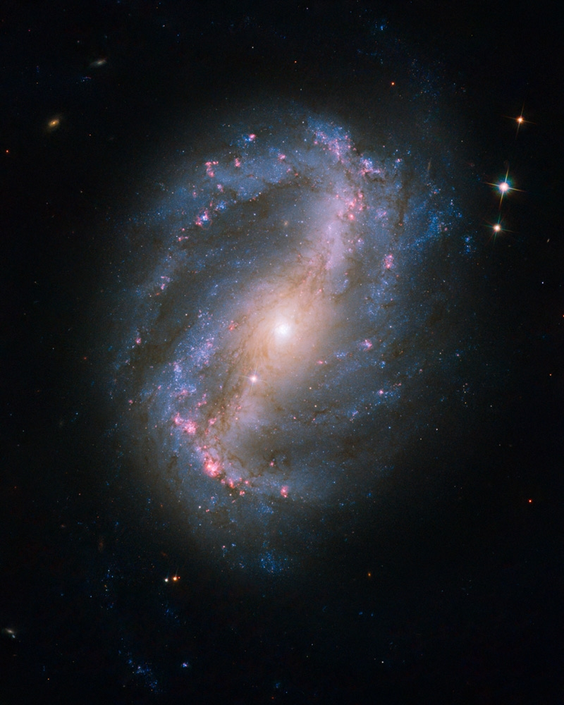 NGC 6217 a Hubble Űrtávcső (HST) felvételén.