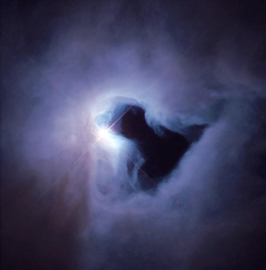 NGC 1999 a Hubble Űrtávcső (HST) felvételén.